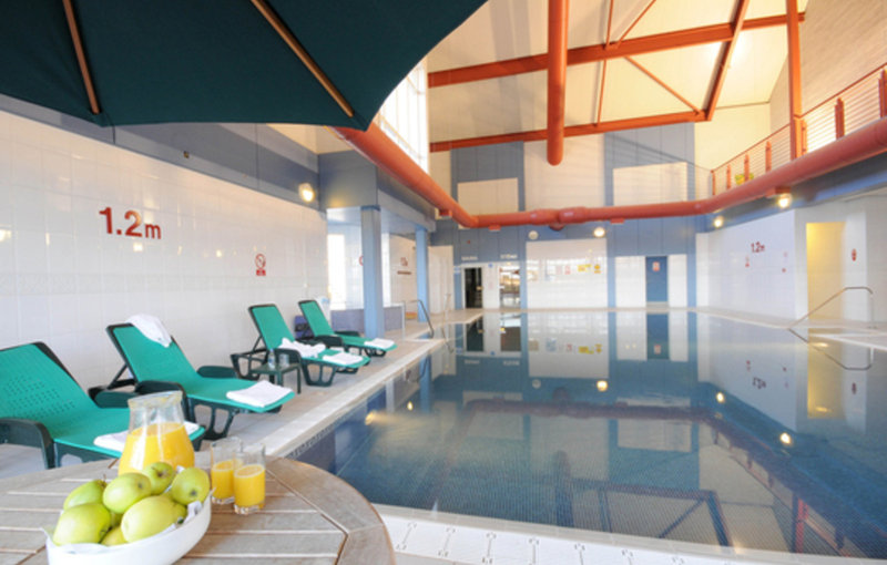 Carnoustie golf course hotel golf accommodation golf scotland for Hotels near portrush with swimming pool